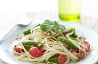 refreshing thai green papaya salad