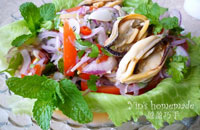 thai mussel salad